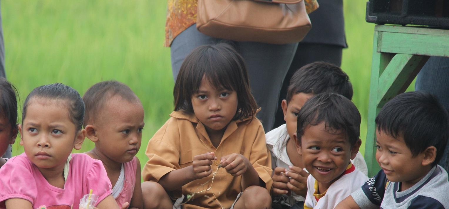Senyum anak tani Indonesia